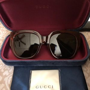 AUTHENTIC GUCCI SUNGLASSES BRAND NEW